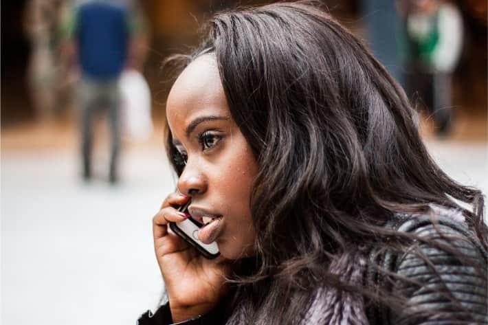 Um Ransomware-Angriffe zu vermeiden, sollten auch am Telefon keine persönlichen Daten preisgegeben werden