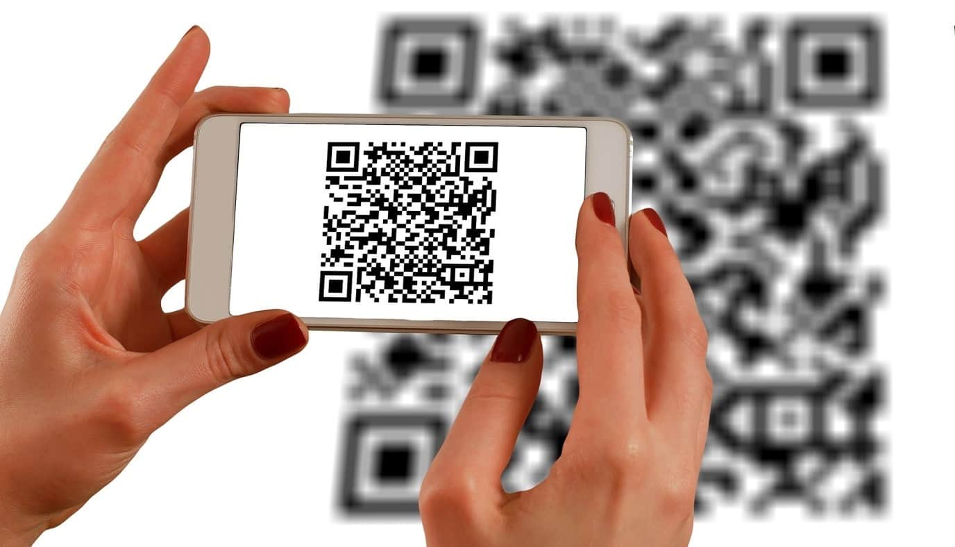 content/de-de/images/repository/isc/2020/9910/a-guide-to-qr-codes-and-how-to-scan-qr-codes-1.jpg
