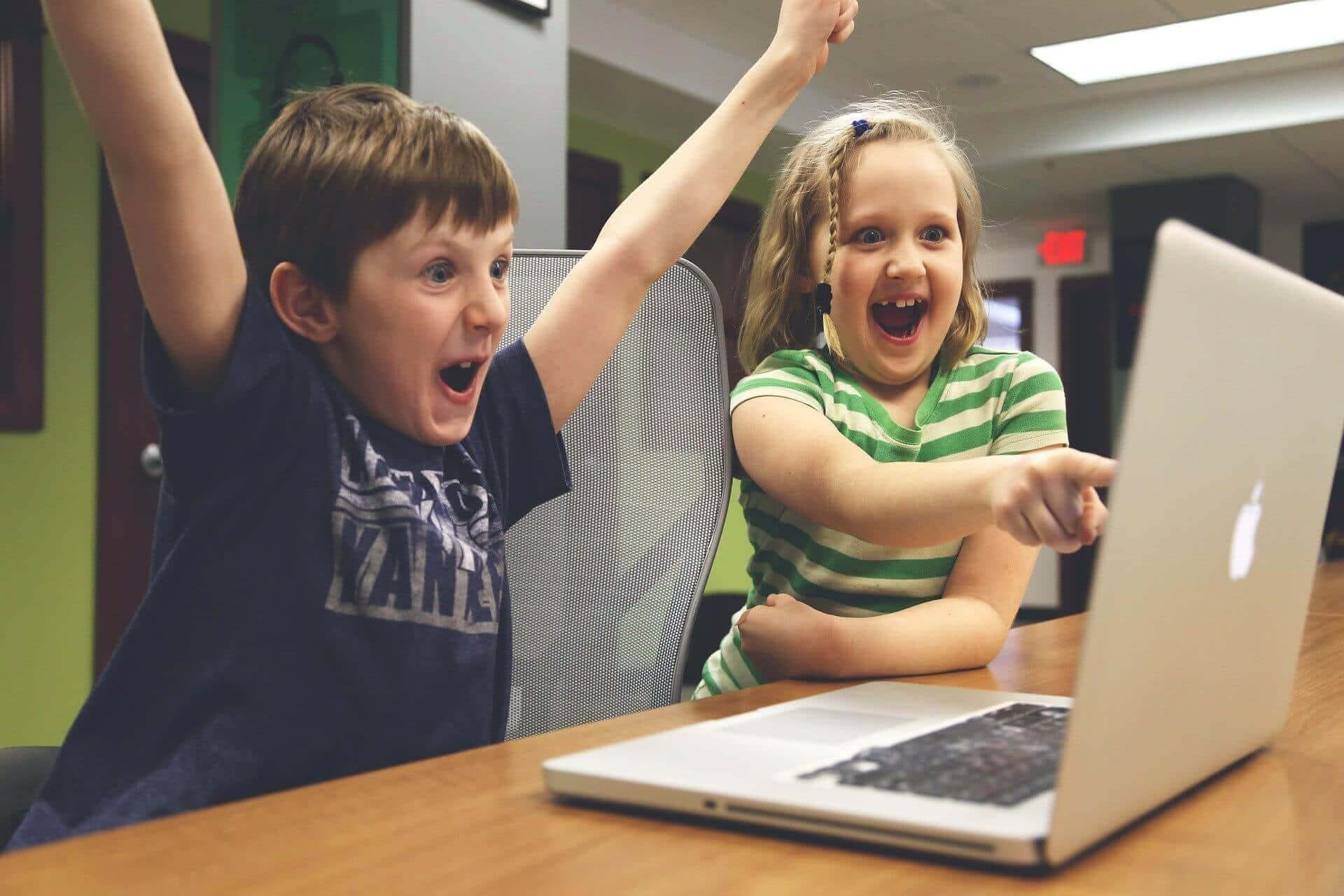 Die Gefahren von Kinderfotos in den sozialen Netzwerken